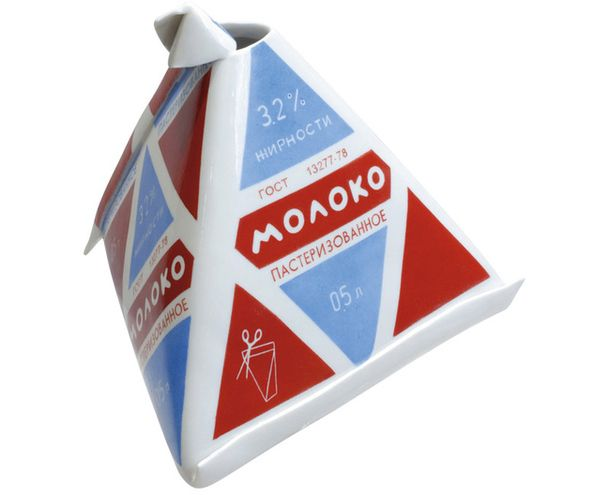 """Молочная """"пирамидка"""" из фарфора — узнаваемая примета быта 1960–1980-х годов."""
