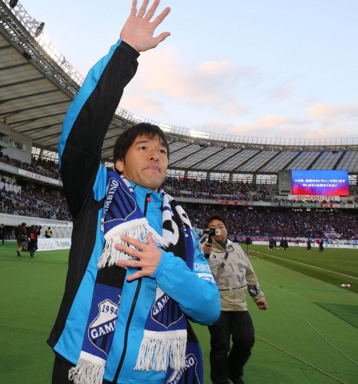 ガンバ大阪GK藤ケ谷陽介(36)が19年の現役生活にピリオドを打った。 この日は拮抗(きっこう)した試合展開で出番はなかったが、試合後に仲間から胴上げされ3… - 日刊スポーツ新聞社のニュースサイト、ニッカンスポーツ・コム(nikkansports.com)