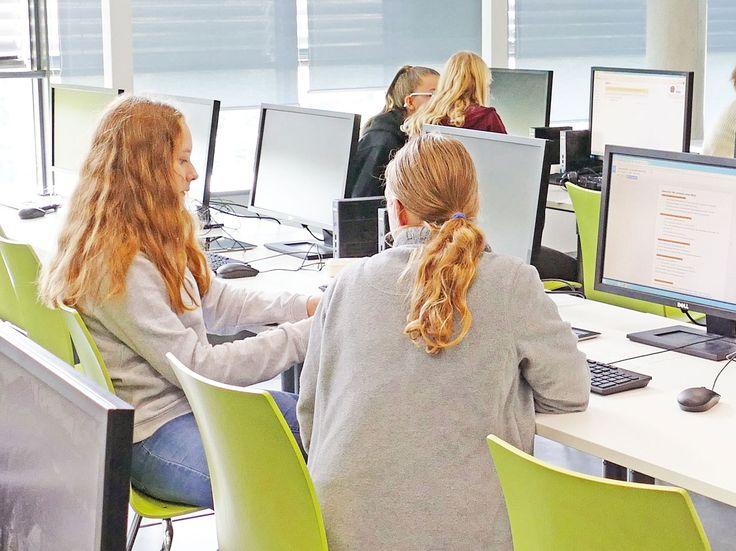 """""""Girls` Day 2017"""": Mädchen der 7. und 8. Klassen besuchten """"Girls go for IT"""" an der FHWS :: Hochschule für angewandte Wissenschaften Würzburg-Schweinfurt"""