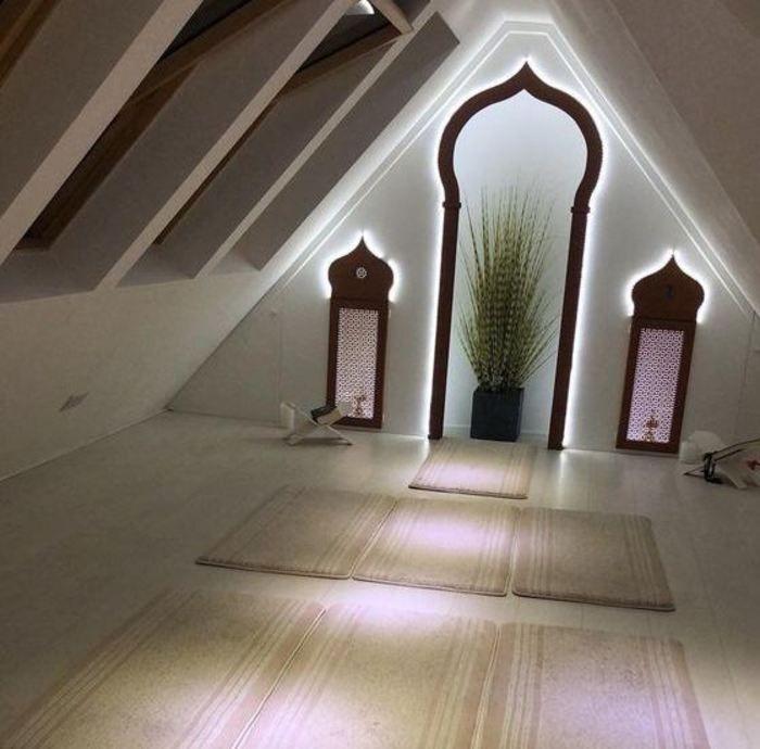 Design Inspirations For A Prayer Room At Home Casanesia Muslim Prayer Room Ideas Prayer Room Islamic Decor