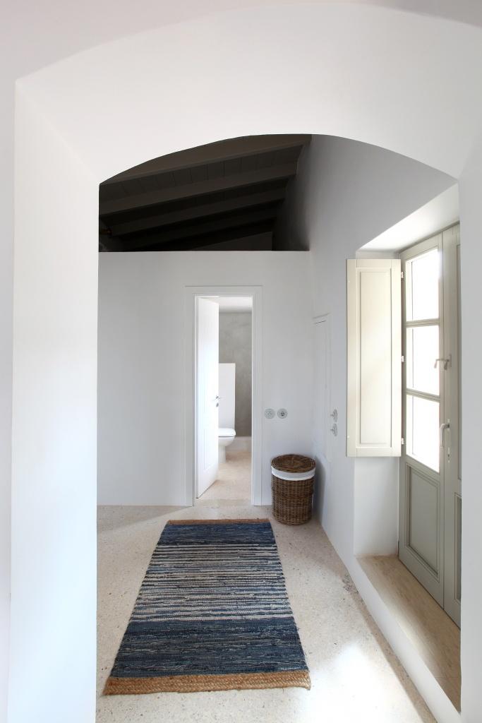 Trifilianika House - Hallway