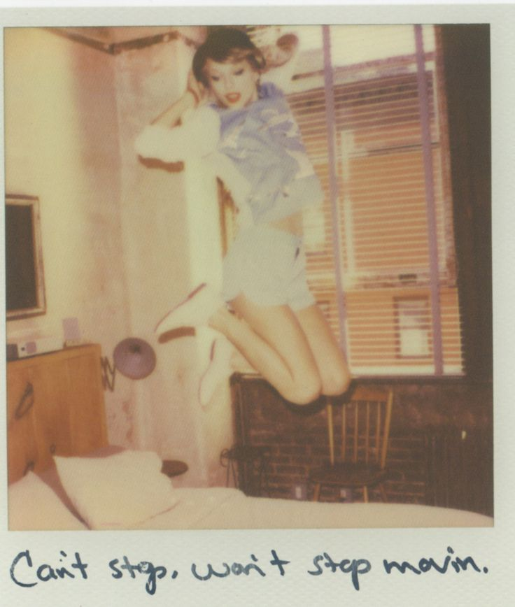 I always wonder how many times Taylor had to jump up like that to get the perfect shot