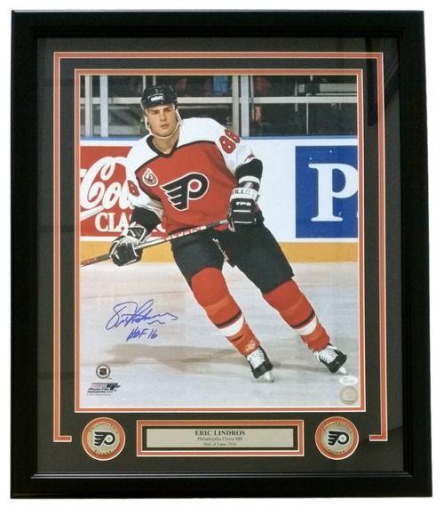 Eric Lindros Signed Framed 16x20 Philadelphia Flyers Photo HOF 16 JSA