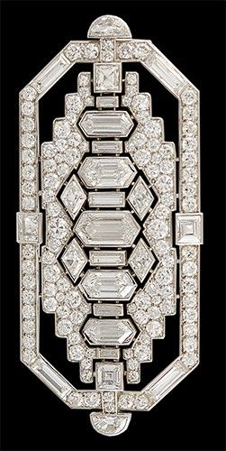 An Art Deco Platinum Diamond brooch