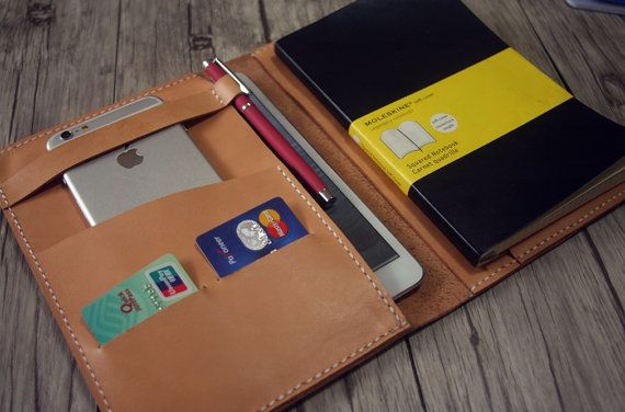Premium Italian Vegetable Tanned Leather Portfolio, Multifunctional Pattern, 100% handmade, i.e. hand cut, hand punched and hand sewn. If you
