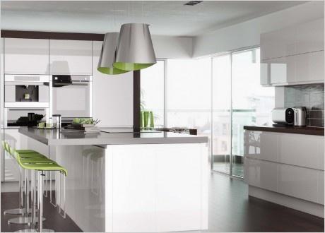 Handleless White Gloss Kitchen by Trend Interiors