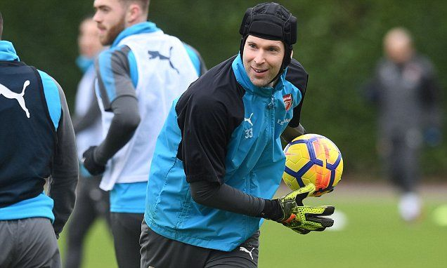 Petr Cech hoping to keep 200th Premier League clean sheet