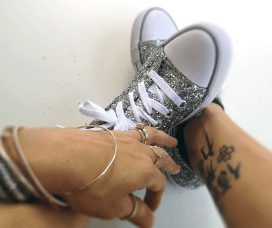 DIY: Glitter Sneakers. WEDDING CONVERSE!!! Pinterest++ for iPad