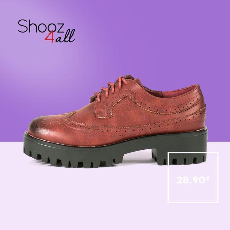 Με εντυπωσιακή τρακτερωτή σόλα, γυναικεία παπούτσια oxfords σε κόκκινο χρώμα. Από συνθετικό δέρμα άριστης ποιότητας εσωτερικά και εξωτερικά, θα χαρίσουν αυστηρή κομψότητα στο look σας! http://www.shooz4all.com/el/gynaikeia-papoutsia/kokkina-oxfords-me-tracksole-85-14-detail #shooz4all #oxfords #tracksole