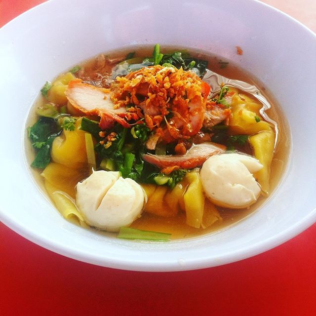 #noodlesoup for the #lunch in #thailand... #delicious ❤️❤️ #lunchtime #lunchtimewalks #lunchthailand #noodles #food #traveling #travel #ontheroad #streetfood #streetfoodthailand #foodporn #thainoodles