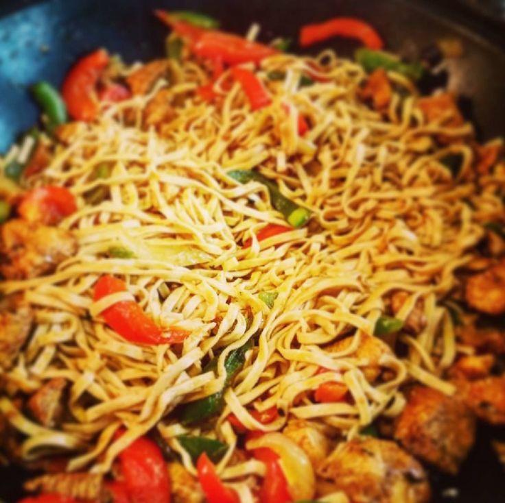 Przepis na makaron chow mein w wersji minimalistycznej ;-)