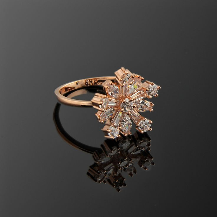 Kar Tanesi Yüzük - Avusturya kristali - Swarovski taşlar - Altın kaplama - Aksesuar - Yüzük - Dalya Takı Austrian Crystal - Swarovski stones - Gold plated - Rose gold - Accessory - Ring - Snowflake