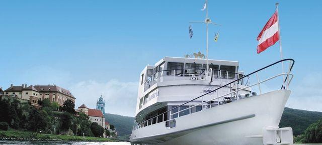 BRANDNER Schiffahrt Wien - Eventschiff - feiern auf hoher See #eventschiff #schiff #see #fluss #meer #rundfahrt #segeln #boot #privat #special #eventlocation #eventinc #yacht #yachten #design #outdoor