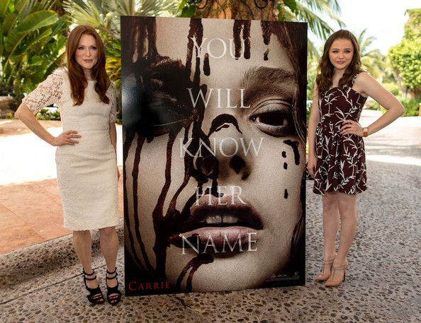 Carrie Cast Promotes the New Horror Flick in Mexico Julianna Moore and Chloe Grace Moretz