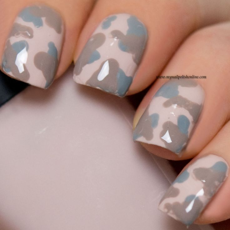 Freehanded camouflage nails - http://www.mynailpolishonline.com/2016/05/nail-art-2/freehanded-camouflage-nails/