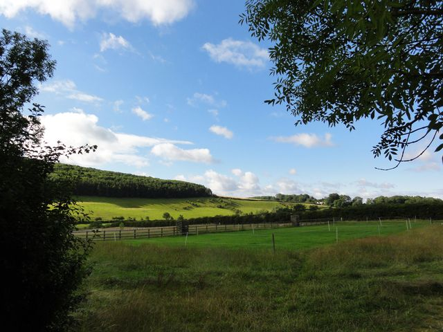 The Yorkshire Wolds are fairy tale pretty and lovely for gentle country walks.: Around Millington and Beyond