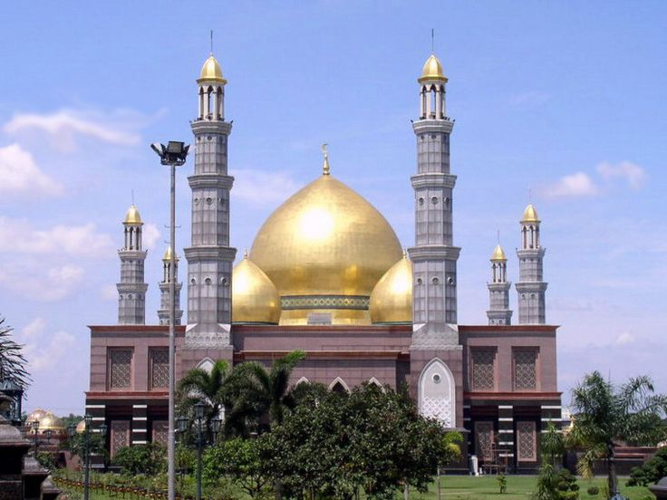 Masjid Dian Al-Mahri, Depok, West Java, Indonesia. The dome and pillars are all gold-plated