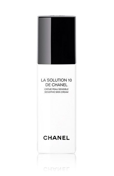 Free shipping and returns on LA SOLUTION 10 DE CHANEL  Sensitive Skin Cream at Nordstrom.com. This gentle, soothing moisturizer by CHANELisformulated for sensitive skin and suitable for all skin types irritated by aggressors including pollution, climatic conditions, stress or non-invasive microdermabrasion. The formula features just 10 carefully selectedingredients, each chosen for its optimal skin tolerance and efficacy. At the heart of the formula is silver needle tea, a rare and…