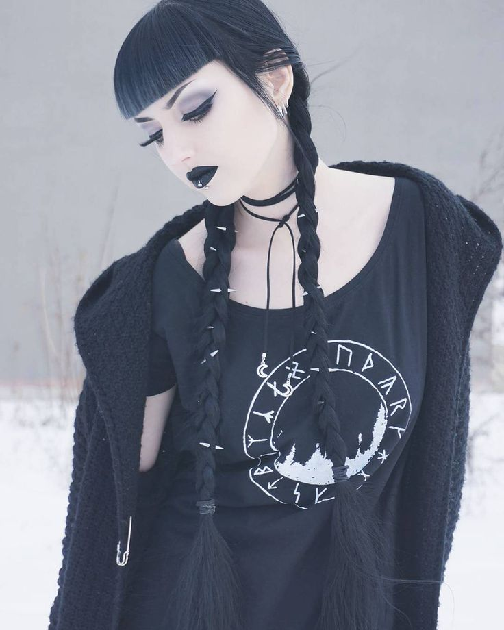 Wondrous 25 Best Ideas About Goth Hairstyles On Pinterest Grunge Hair Hairstyle Inspiration Daily Dogsangcom