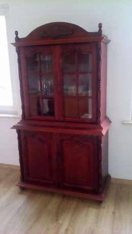 350 zł: Do sprzedania drewniana komoda/witryna. Stan dobry.  Kontakt tylko telefoniczny. Na wiadomości nie odpisuje.