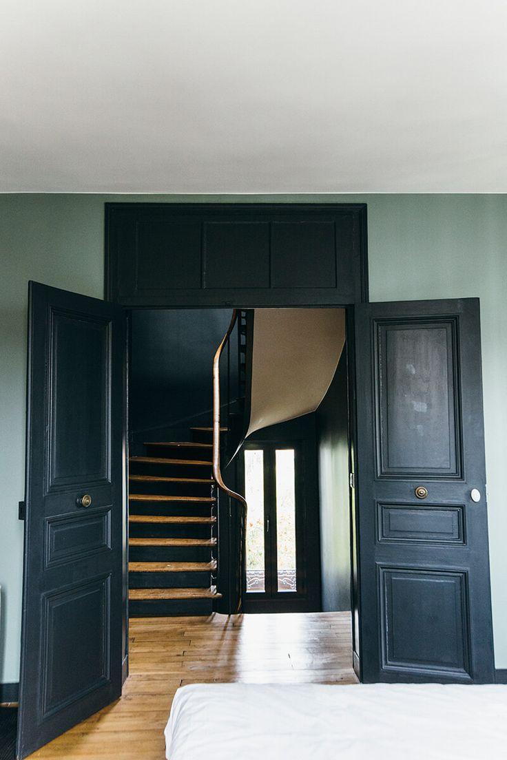 les 25 meilleures id es de la cat gorie nuances de bleu sur pinterest chambre indigo palette. Black Bedroom Furniture Sets. Home Design Ideas
