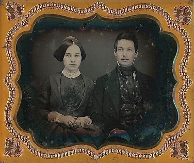 ATTRACTIVE YOUNG COUPLE GORGEOUS WOMAN HANDSOME MAN 1/6 PLATE DAGUERREOTYPE D602