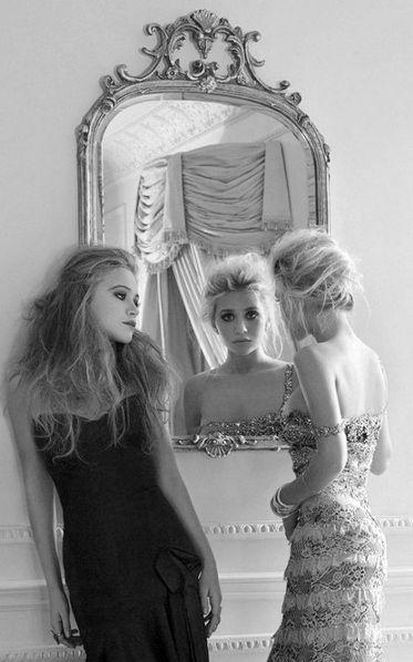 Olsen Twins: Mirror Mirror, Style, Mary Kate Ashley, Olsentwin, Ashley Olsen, Ashleyolsen, The Dresses, Badgley Mischka, Olsen Twin