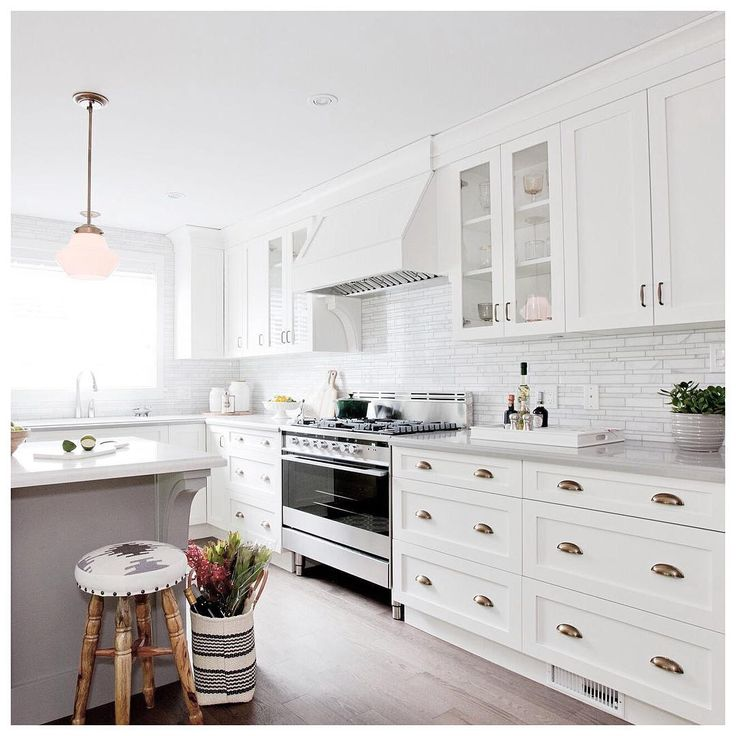 Jillian harris instagram photos and for Jillian harris kitchen designs