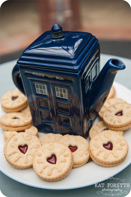 Doctor Who jammie dodgers and tardis tea