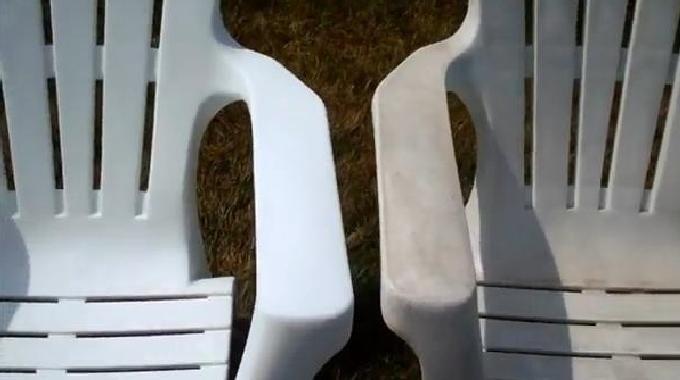 Vous cherchez un truc pour nettoyer et raviver la blancheur de vos meubles en PVC ? Heureusement, il existe une solution naturelle pour donner un coup d'éclat à vos meubles en PVC. Découvrez l'astuce ici : http://www.comment-economiser.fr/raviver-couleurs-meubles-plastiques.html