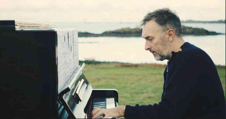 El compositor de la banda sonora de la película habló con Semana.com sobre su música y la revolución anticapitalista que promueve.