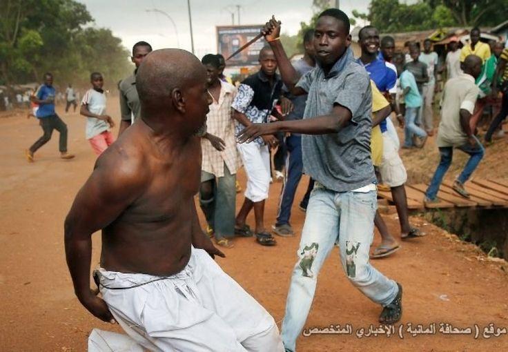 الميليشيات المسيحية في أفريقيا الوسطي تجبر المسلمين علي ترك الإسلام