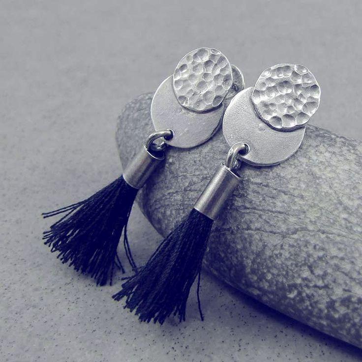 www.polandhandmade.pl   ---   Hammered silver and black tassels - rock style earrings.   ---   #polandhandmade #amadestudio #earrings #silverjewelry #handmadejewelry #tassels #rockstyle