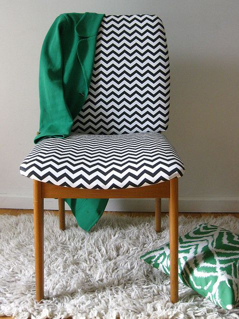 Chevron retro chair | Flickr - Lisa Barrette