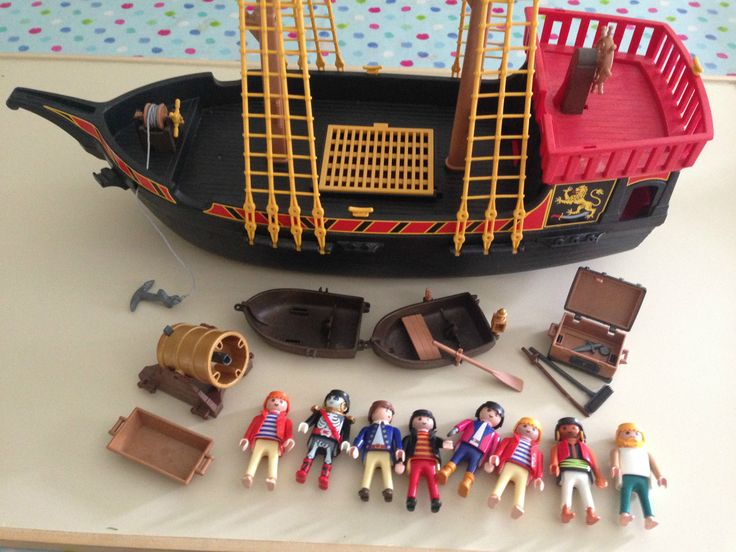 1000 ideas about playmobil pirates on pinterest f tes d. Black Bedroom Furniture Sets. Home Design Ideas