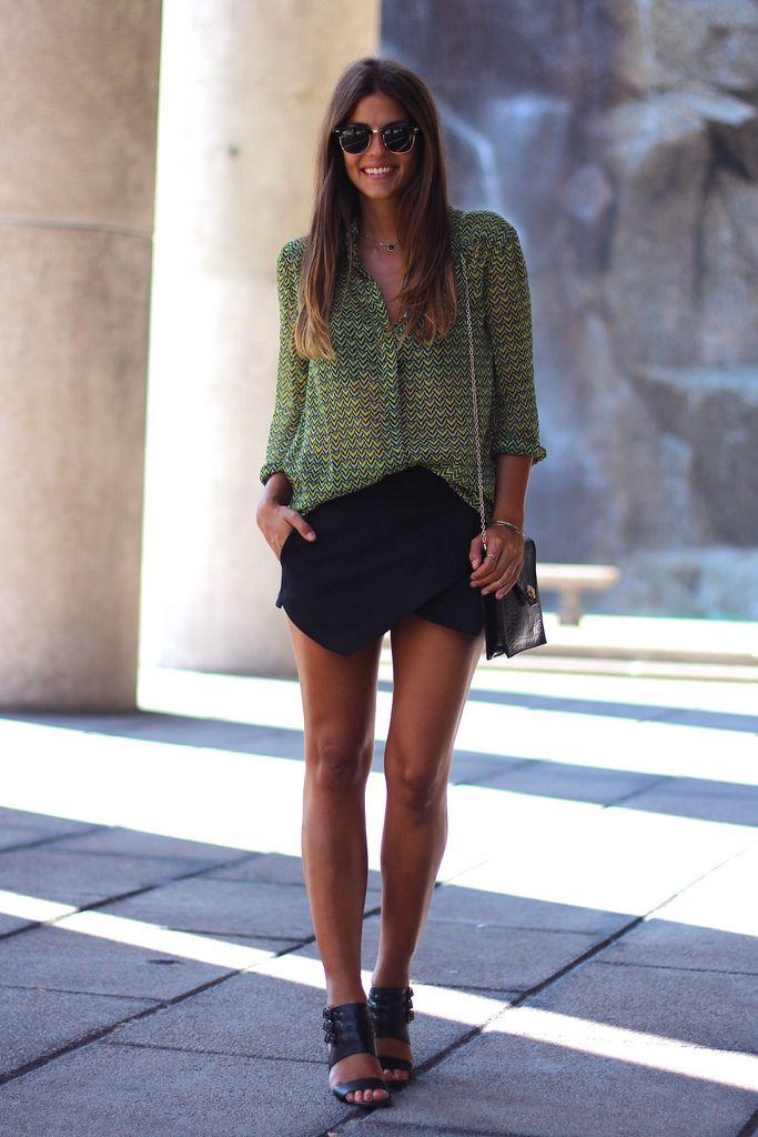 trendy_taste-look-outfit-street_style-fashion-moda-green_shirt-lime-lima-verde-camisa-blouse-blusa-zara_skirt-falda_pantalón-ray-ban-clubmaster-black_sandals-sandalias_negras-17