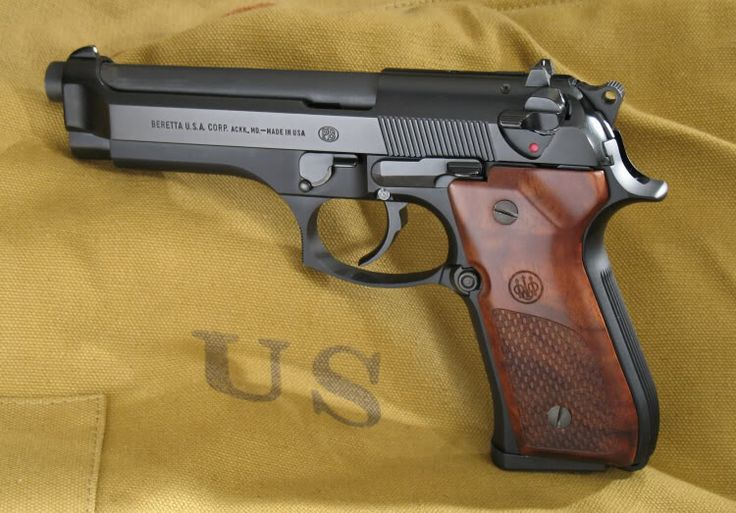 Beretta 92FS with Olive Wood Factory Grips