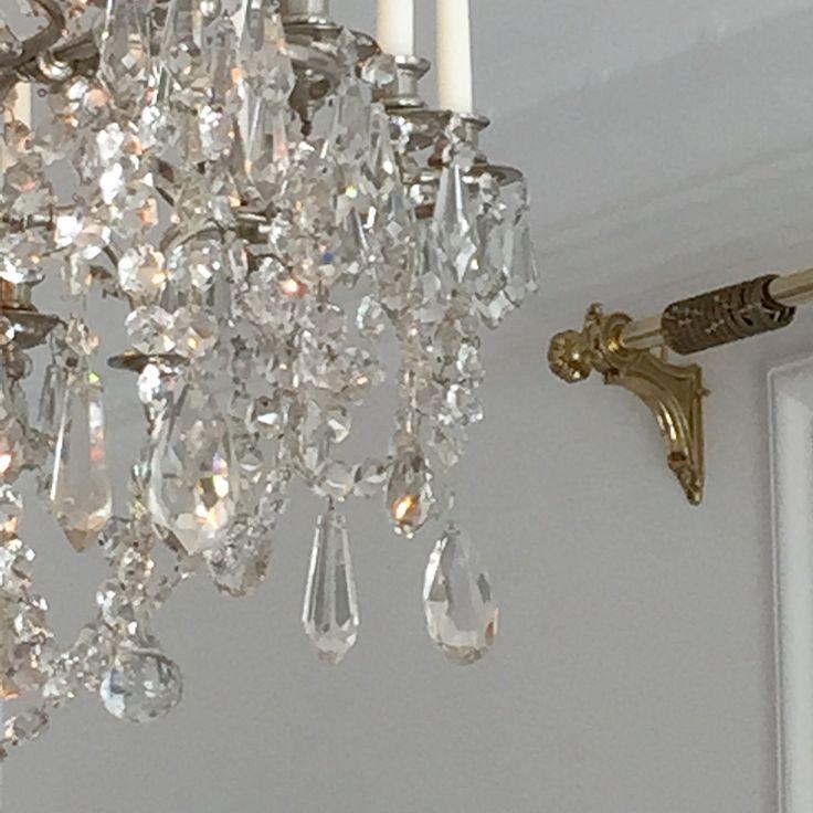 Kristallkrona på silverstomme, gardinstång i mässing, Houlés