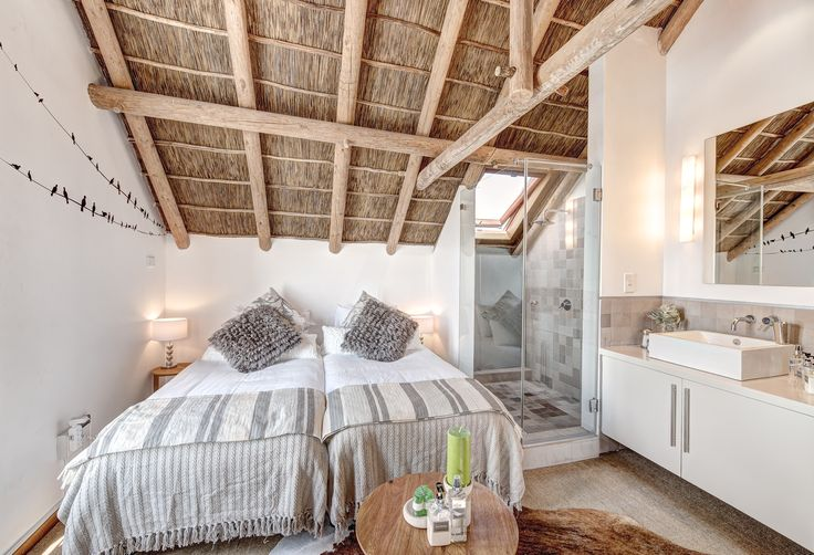 Its weekend, its school holidays there is a bit of summer left to make the most of this weekend!  #soulprivatecollection #santamariabeachhouse #room #villa #vacation #summer #holiday #luxury #private #capetown