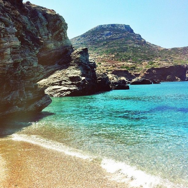 #Folegandros #Beaches #Greece #CrystalWaters Photo credits: @chrissa_vog