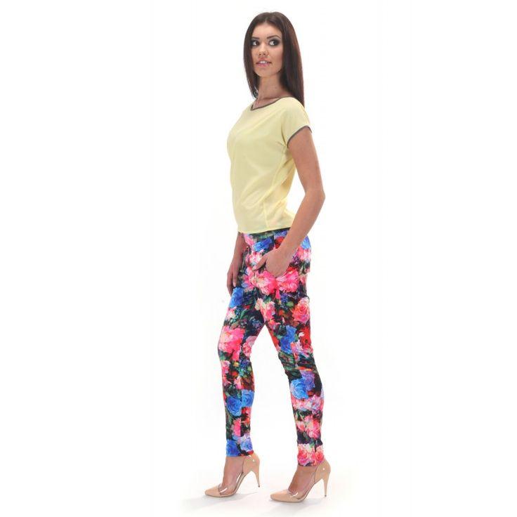 Długie spodnie damskie w kwiatowy wzór