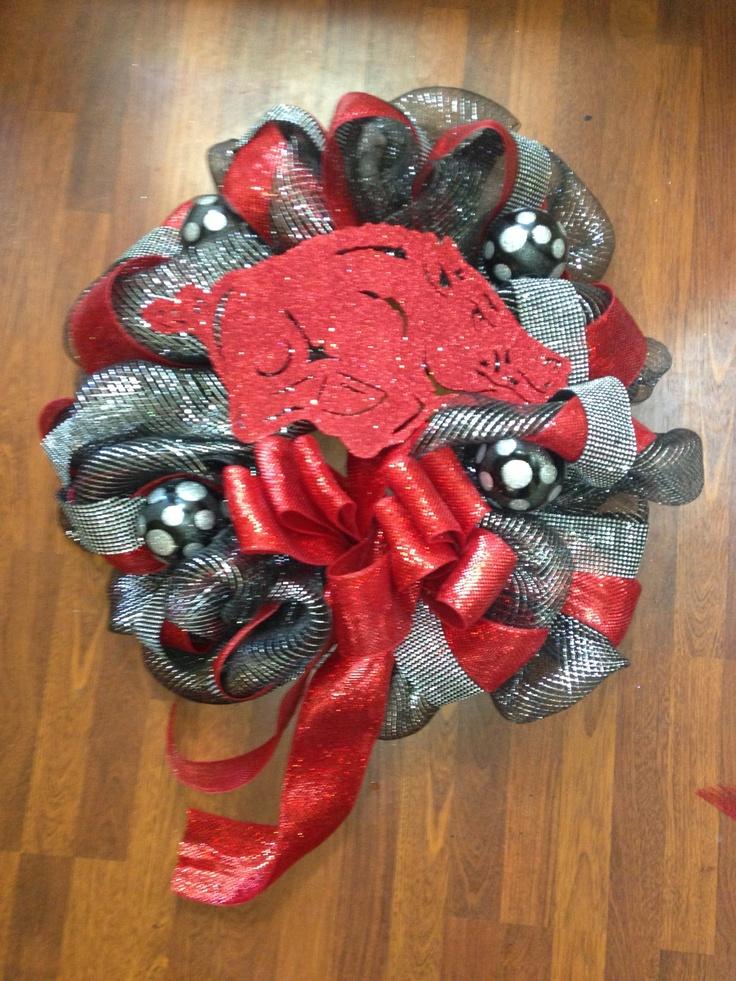 Arkansas razorback mesh wreath.: Hog Life, Razorback Wreath, Razorback Fans, Arkansas Razorbacks, Razorbacks Fan, Hog Trough, Decorativos Wreath, Craft Ideas