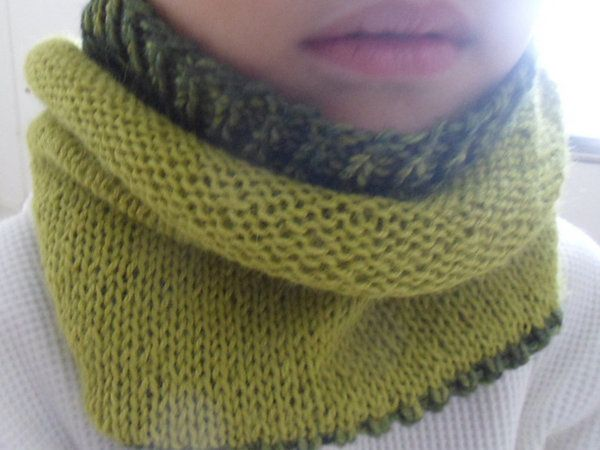 Snood Knitting Pattern Double Knit : 17 Best images about TRICOT : snood-col on Pinterest Free pattern, Jersey a...