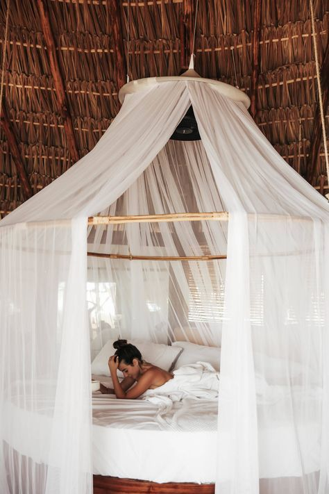 Canopy bed & Best 25+ Beach style canopy beds ideas on Pinterest | Canopy ...