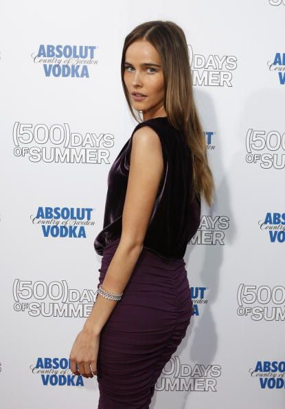 Isabel Lucas || Fox Searchlight's 'Days Of Summer' Hollywood Premiere (June 24, 2009)