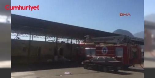Antalyada roketli saldırı : Antalya - Kemer Karayolu üzerindeki bir balıkçı barınağına dağlık alandan roketli saldırı düzenlendi.  http://ift.tt/2dOFqBg #Türkiye   #saldırı #roketli #Antalya #dağlık #düzenlendi