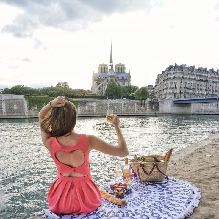 Looking for things to do in Paris? How about having your very own picnic by the Seine.