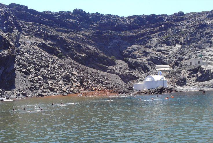 Holy thermal spring – Palea Kameni islet (η Παλαιά Καμένη), Santorini https://arturania.com/santorini