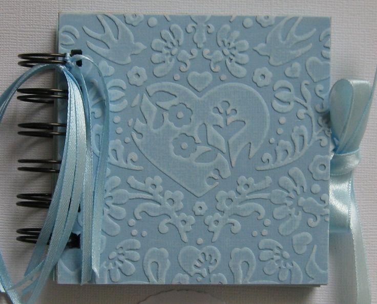 Szív dombormintás napló