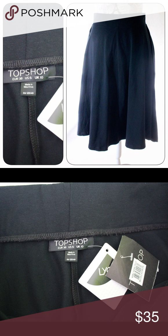TopShop Full Skirt, Elastic Waist, NWT, Black, 6 This is a NWT (from Nordstrom's) black full or circle skirt (no pleats) in black, size 6 by TopShop. Elastic banded waist.  Can be worn high-waisted or at waist. New and ready to wear! Topshop Skirts Circle & Skater